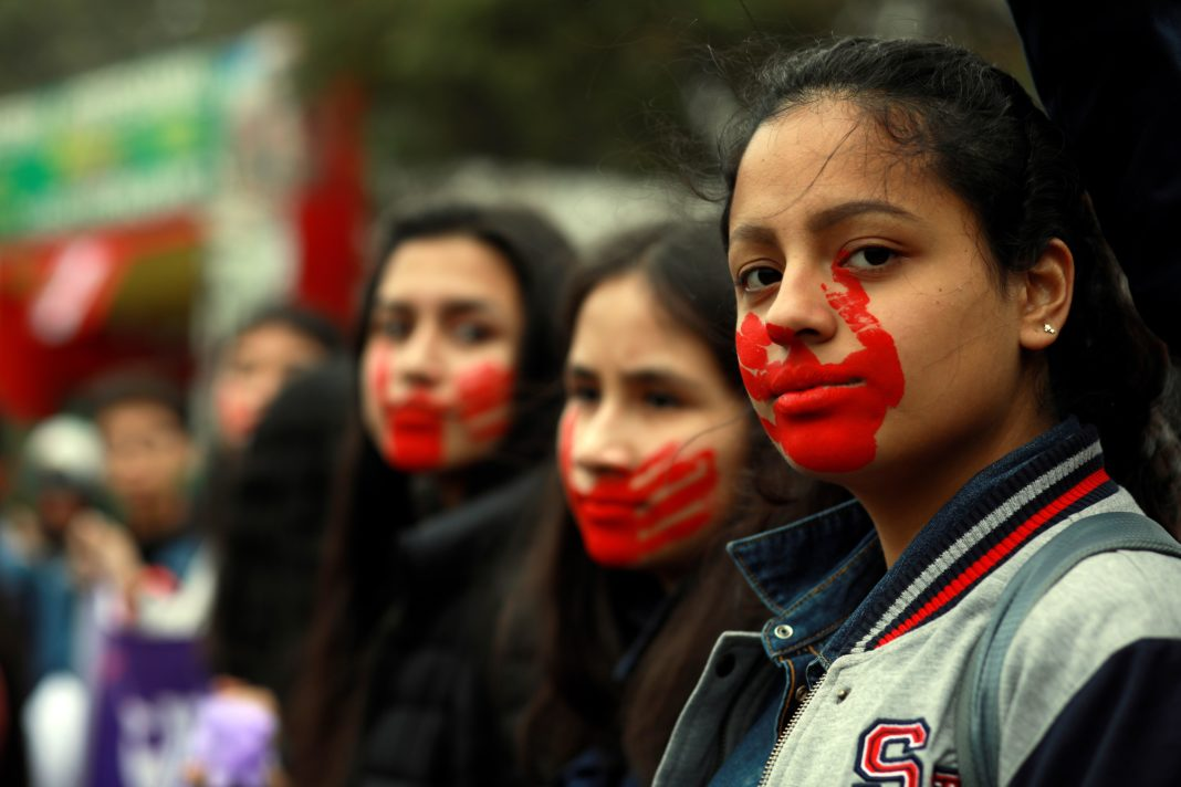 Mujeres marchan