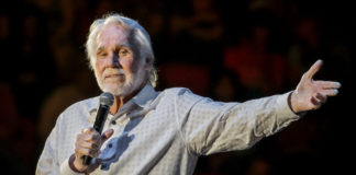 Murió Kenny Rogers