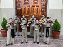 Mariachi grullense Los Chiquitines