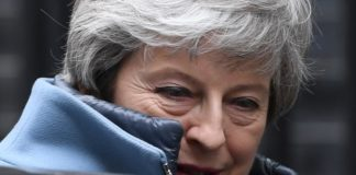 Theresa May insiste Brexit avances
